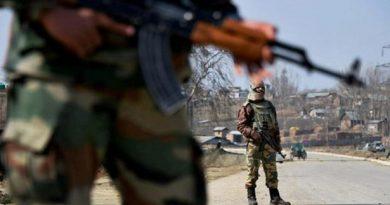 شوپیان میں سلامتی دستوں کے ساتھ تصادم میں حزب المجاہدین کے تین دہشت گرد ہلاک